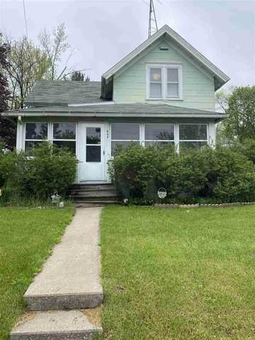 645 8th St, Reedsburg, WI 53959 (#1883923) :: Nicole Charles & Associates, Inc.