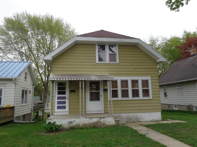 413 - 413 1/2 S Hubbard St, Horicon, WI 53032 (#1883961) :: HomeTeam4u