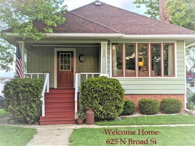 625 N Broad St, Elkhorn, WI 53121 (#1884011) :: HomeTeam4u