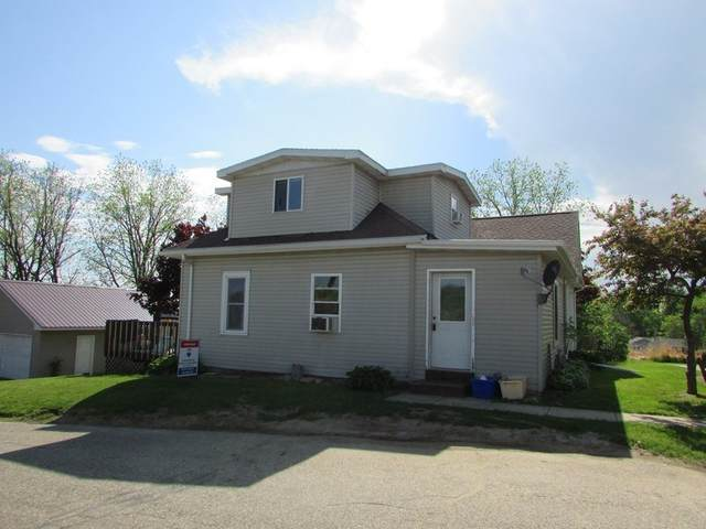 105 Summit Ave, Elroy, WI 53929 (#1884259) :: HomeTeam4u