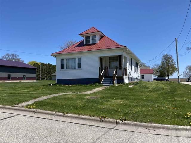 230 S Grove St, Livingston, WI 53554 (#1884269) :: HomeTeam4u