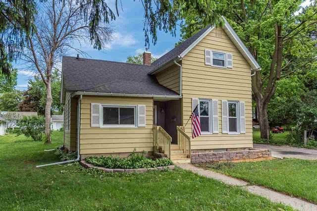 611 9th St, Baraboo, WI 53913 (#1884350) :: Nicole Charles & Associates, Inc.