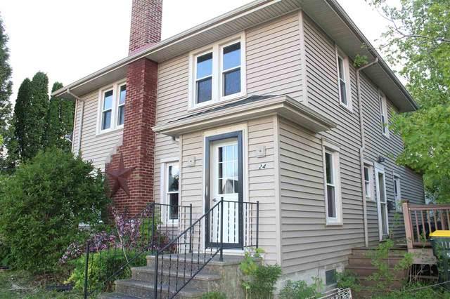 524 N Madison St, Lancaster, WI 53813 (#1884549) :: HomeTeam4u