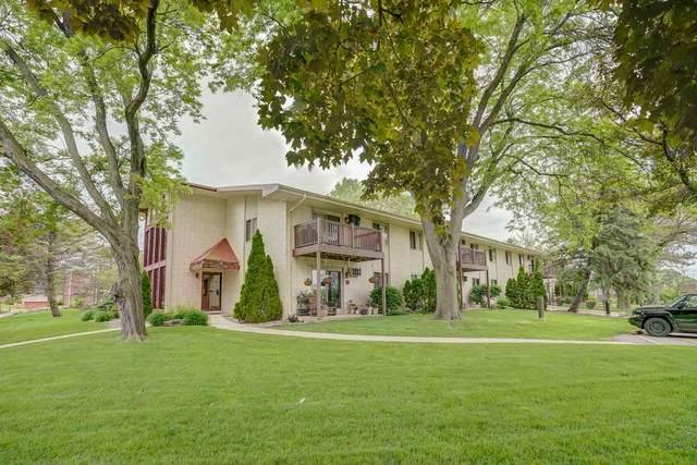 50 Whitcomb Cir, Madison, WI 53711 (#1884741) :: Nicole Charles & Associates, Inc.