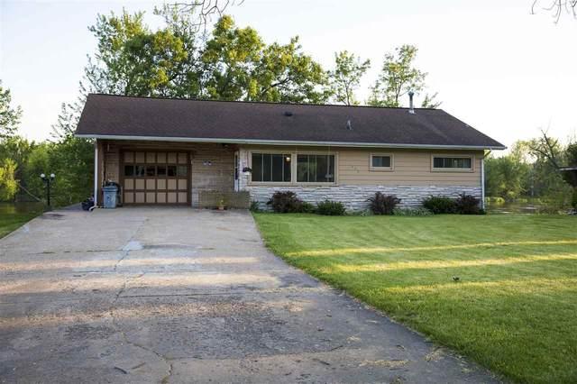 1250 Jack Oak Rd, Cassville, WI 53806 (#1884819) :: HomeTeam4u