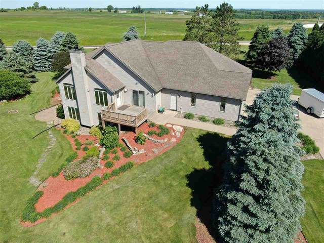 4657 Golf Dr, Hickory Grove, WI 53809 (#1885724) :: HomeTeam4u