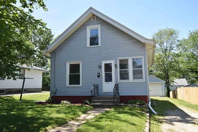 1226 Garfield Ave, Beloit, WI 53511 (#1885729) :: HomeTeam4u