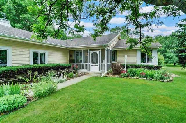 725 Terrace Ridge, Cottage Grove, WI 53527 (#1886373) :: HomeTeam4u