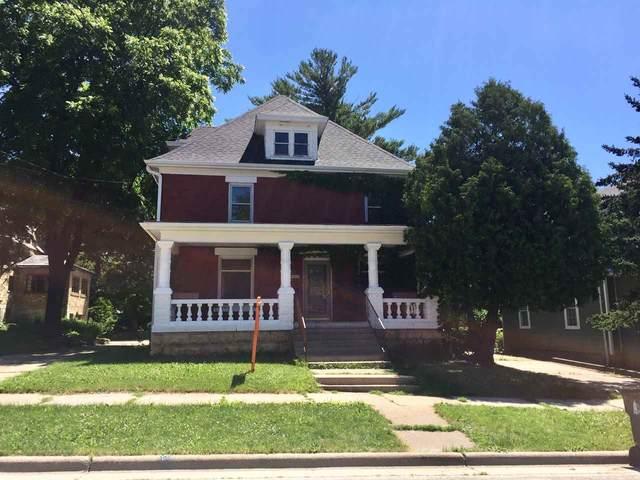1012 19th Ave, Monroe, WI 53566 (#1886772) :: Nicole Charles & Associates, Inc.