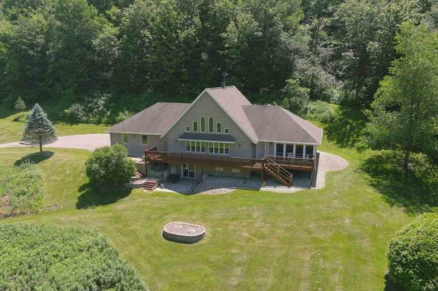 E2775 Bluebird Dr, Bear Creek, WI 53556 (#1886949) :: HomeTeam4u