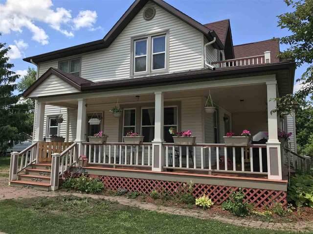 305 N Lincoln St, Poynette, WI 53955 (#1886963) :: HomeTeam4u