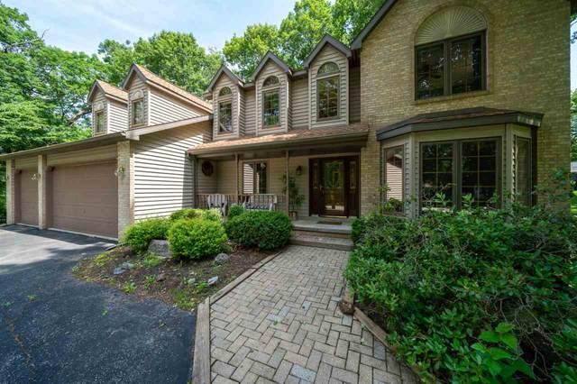 318 Maple Heights Rd, Medina, WI 53559 (#1887338) :: Nicole Charles & Associates, Inc.