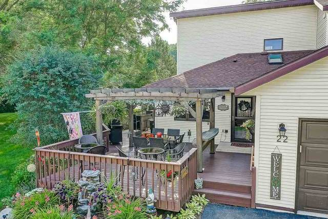 N6973 Rock Lake Rd, Lake Mills, WI 53551 (#1887923) :: HomeTeam4u
