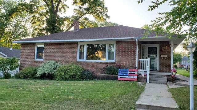 409 E Pleasant St, Portage, WI 53901 (#1887937) :: HomeTeam4u