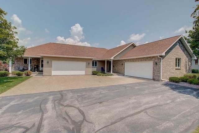 632 Prairie Hills Dr, Dodgeville, WI 53533 (#1888018) :: HomeTeam4u