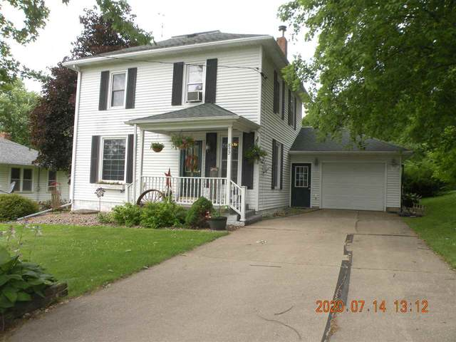 822 4th St, Bloomington, WI 53804 (#1888323) :: HomeTeam4u
