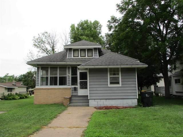 419 N Beaumont Rd, Prairie Du Chien, WI 53821 (#1888425) :: HomeTeam4u