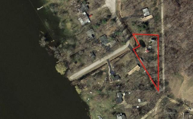 N4516 Fox River Dr, Princeton, WI 54968 (#1888694) :: HomeTeam4u