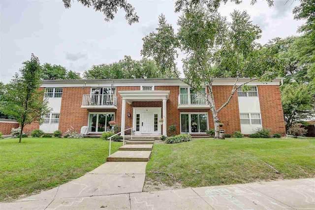 6 Heritage Cir, Madison, WI 53711 (#1889105) :: HomeTeam4u