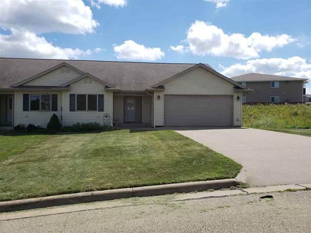 1577 Edgewood Ct, Platteville, WI 53818 (#1889140) :: Nicole Charles & Associates, Inc.