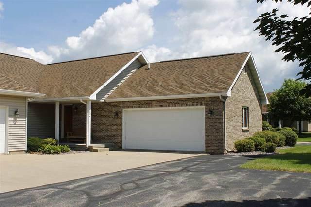 624 Prairie Hills Dr, Dodgeville, WI 53533 (#1889418) :: Nicole Charles & Associates, Inc.