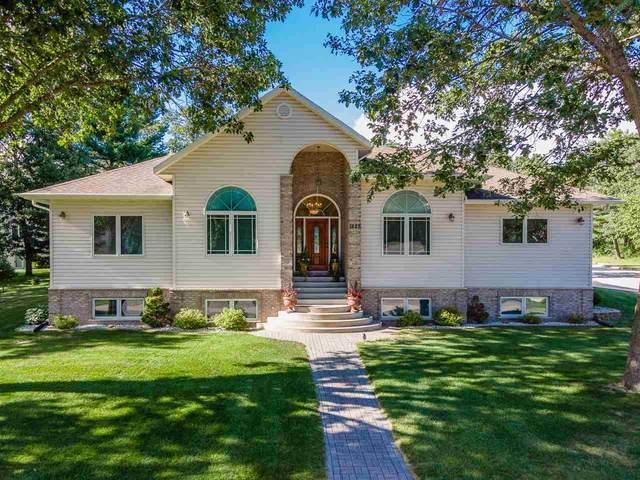 1625 Michigan Ave, Wisconsin Dells, WI 53965 (#1889423) :: Nicole Charles & Associates, Inc.