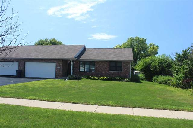 4324 E Milwaukee St, Janesville, WI 53546 (#1889448) :: Nicole Charles & Associates, Inc.