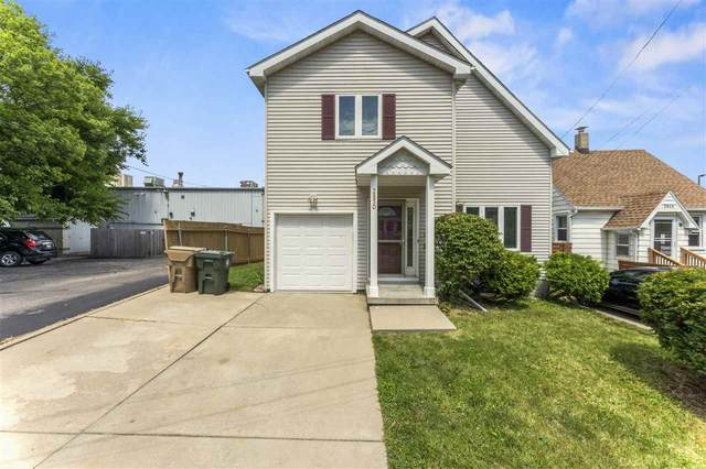 2850 Harvey St, Madison, WI 53705 (#1889680) :: Nicole Charles & Associates, Inc.