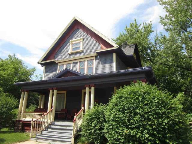 629 Broadway St, Wisconsin Dells, WI 53965 (#1890278) :: Nicole Charles & Associates, Inc.