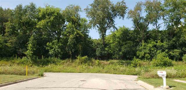 19 Ac Lake Dr, Edgerton, WI 53534 (#1890386) :: Nicole Charles & Associates, Inc.