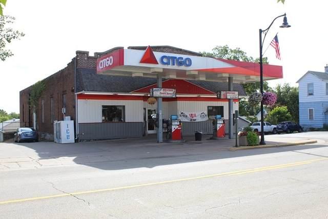 119 E Main St, Benton, WI 53803 (#1891516) :: HomeTeam4u