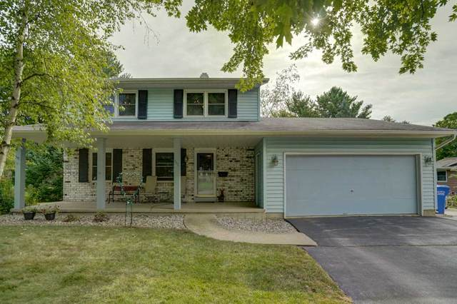 111 Greenview Dr, Columbus, WI 53925 (#1892439) :: Nicole Charles & Associates, Inc.