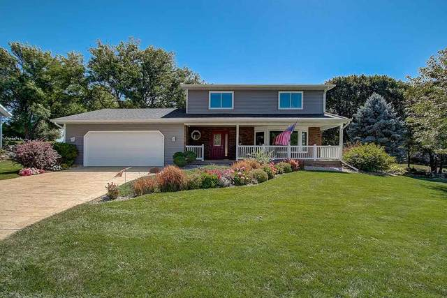 311 Golf View, Mount Horeb, WI 53572 (#1892642) :: Nicole Charles & Associates, Inc.