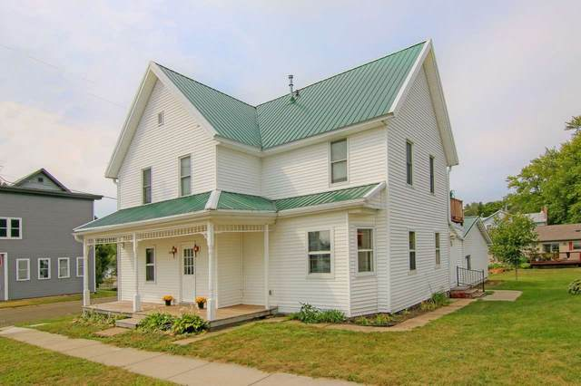 10988 Ridge St, Blue Mounds, WI 53517 (#1893018) :: Nicole Charles & Associates, Inc.