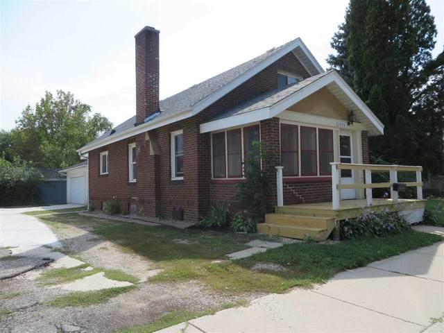 1509 W Court St, Janesville, WI 53548 (#1893023) :: Nicole Charles & Associates, Inc.