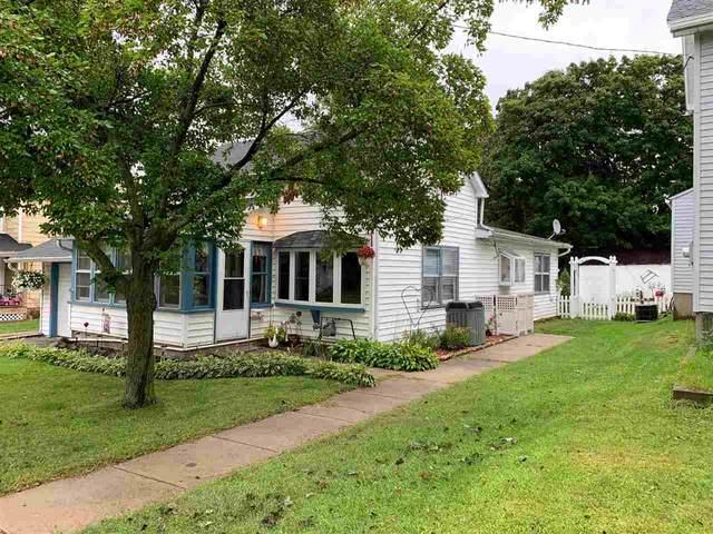 141 N George St, Whitewater, WI 53190 (#1893095) :: HomeTeam4u