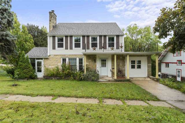 203 S 1st St, Mount Horeb, WI 53572 (#1893265) :: Nicole Charles & Associates, Inc.