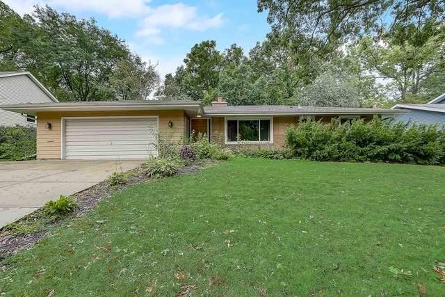 4525 Deerwood Dr, Madison, WI 53716 (#1893269) :: HomeTeam4u