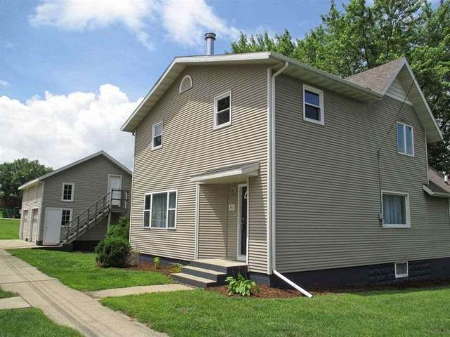 411 W Pearl St, Belleville, WI 53508 (#1893371) :: Nicole Charles & Associates, Inc.