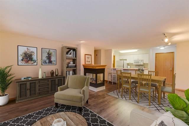 8510 Greenway Blvd, Middleton, WI 53562 (#1893405) :: Nicole Charles & Associates, Inc.