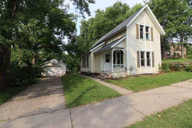 521 N Park St, Reedsburg, WI 53959 (#1893631) :: HomeTeam4u