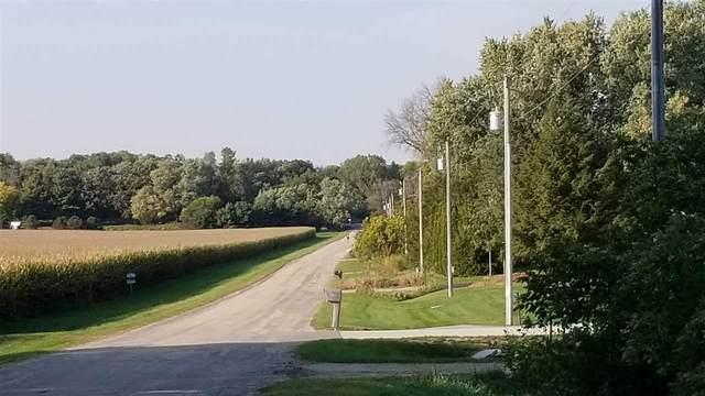 2786 Kinney Rd, Pleasant Springs, WI 53523 (#1894140) :: HomeTeam4u