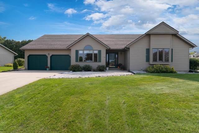 105 W Meadows Dr, Edgerton, WI 53534 (#1894148) :: HomeTeam4u
