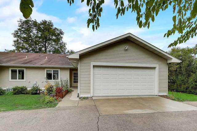 128 Curtiss St, Mazomanie, WI 53560 (#1894730) :: HomeTeam4u