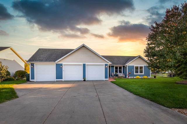 451 Valley View Dr, Poynette, WI 53955 (#1895128) :: HomeTeam4u