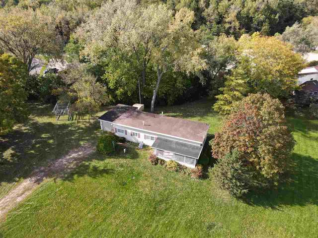 W8042 County Road B, Lake Mills, WI 53551 (#1895462) :: HomeTeam4u