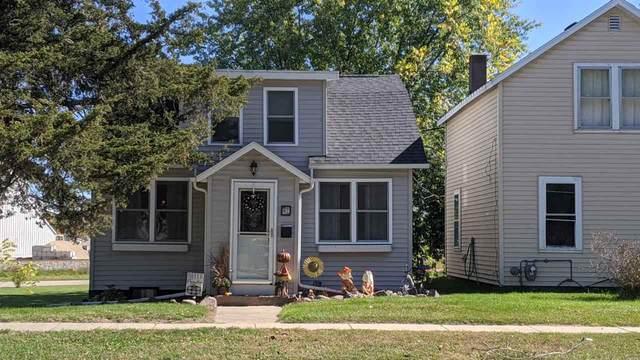 422 S Union St, Mauston, WI 53948 (#1895516) :: HomeTeam4u