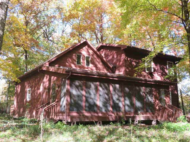 N4690 Glacier Lake Dr, Oxford, WI 53952 (#1895584) :: HomeTeam4u