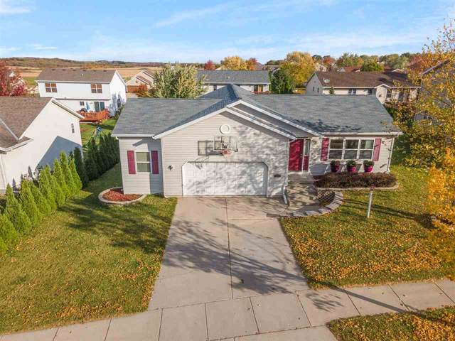 1264 W Bloomingfield Dr, Whitewater, WI 53190 (#1895738) :: HomeTeam4u