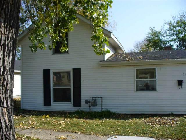 432 N Oakhill Ave, Janesville, WI 53548 (#1896166) :: HomeTeam4u